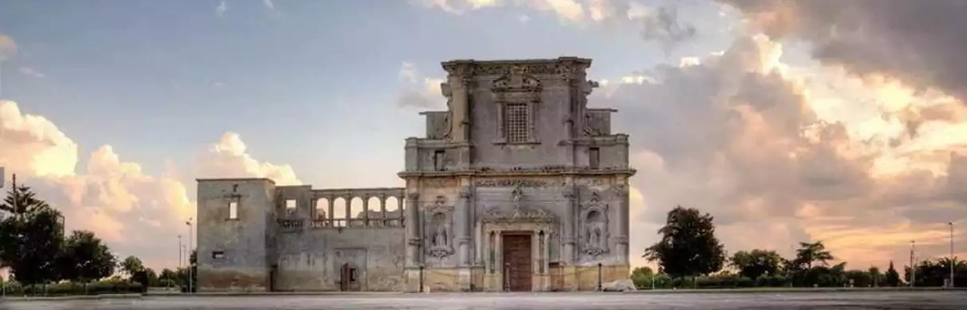 Ex convento degli Agostiniani con annessa chiesa del Carmine Melpignano
